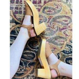 Wooden-Sole Sandals